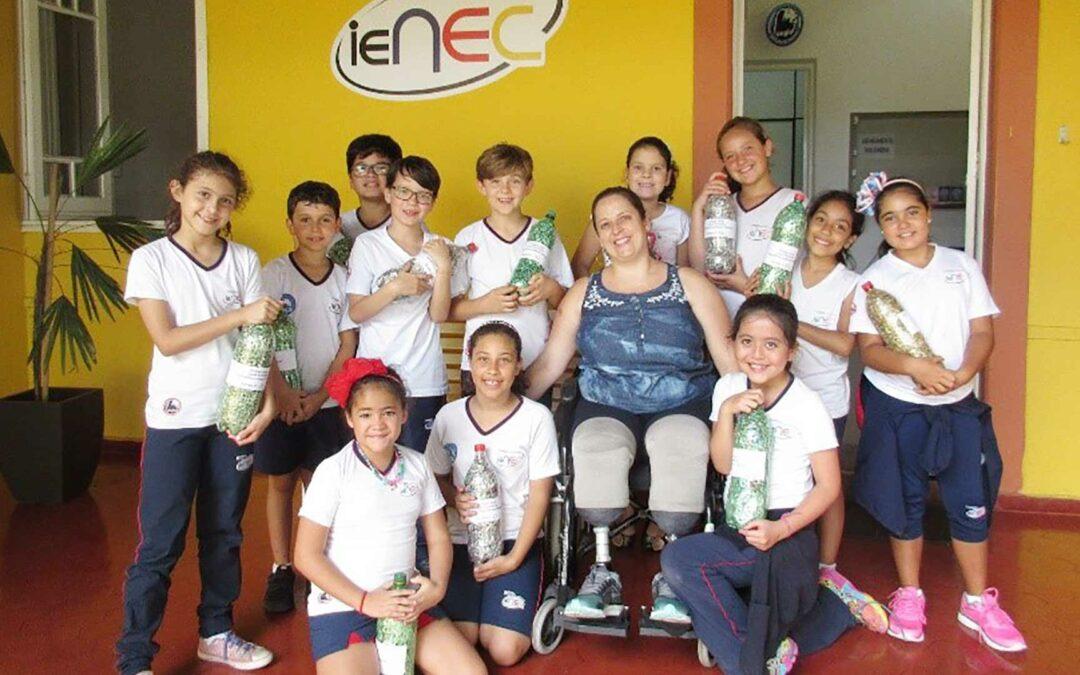 Alunos de escola paulista realizam projeto para ajudar cadeirantes